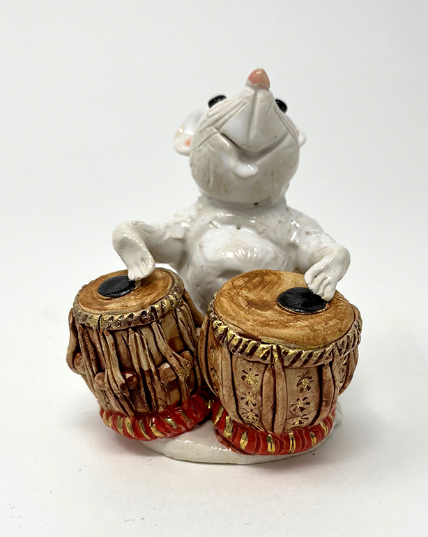 Brigitte Saugstad Mouse -12 ceramic statue, sculpture, idol, figurine A