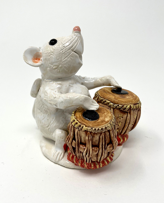 Brigitte Saugstad Mouse -12 ceramic statue, sculpture, idol, figurine D