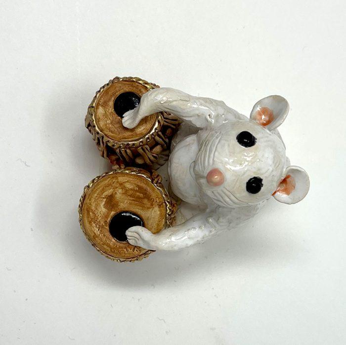 Brigitte Saugstad Mouse -12 ceramic statue, sculpture, idol, figurine E
