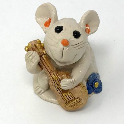 Brigitte Saugstad - Mouse Playing Guitar