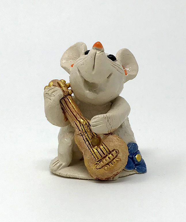 Brigitte Saugstad - Mouse Playing Guitar
