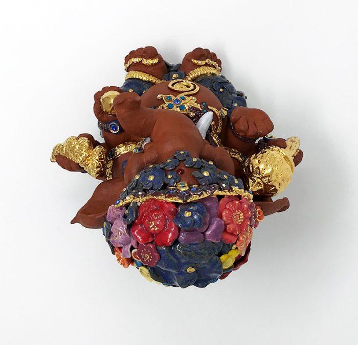 Brigitte Saugstad Ganesha- Enfant Fleur 21x22x19 F