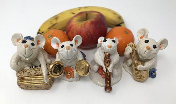Brigitte Saugstad Mouse-7 K ceramic art